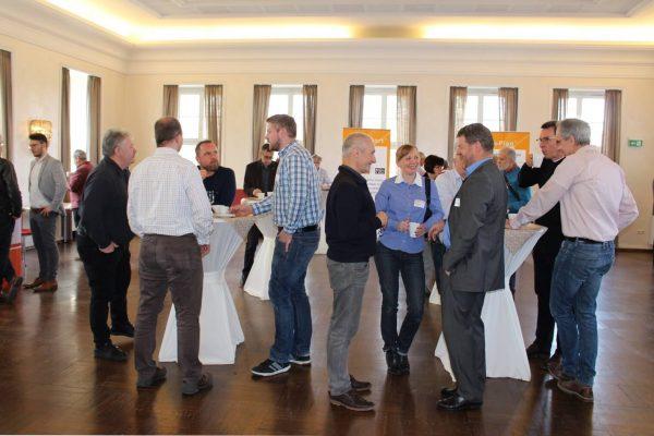 Teilnehmeraustausch Fachtagung Feuchteschutz von Neubauten